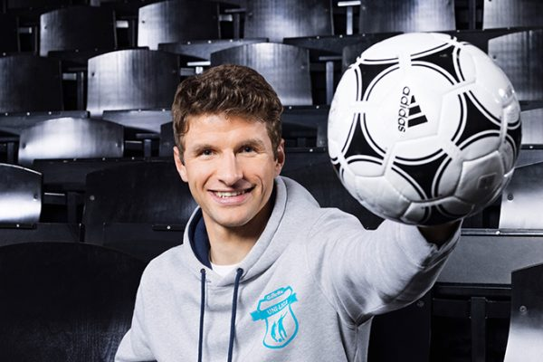 Sponsored Video: Präzision auf dem Fußballfeld: Gillette vereint Ballsport und Rasur
