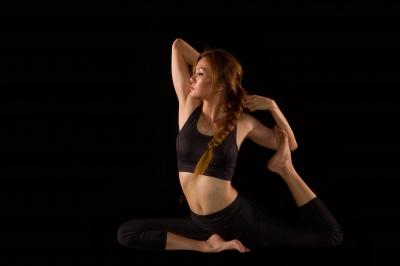 Mit Yoga den Rundrücken wegtrainieren