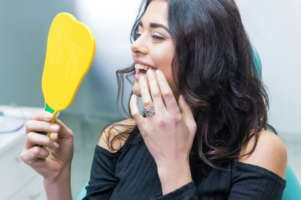 Zahnimplantat: Vorbereitung und Ablauf der Behandlung
