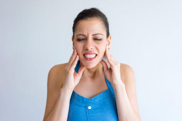 Kieferknacken, Schmerzen & Co: CMD, die Folgen und wie Sie diese wirksam loswerden