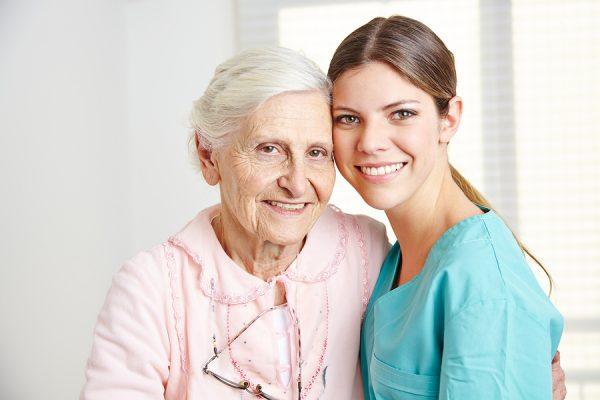 Hilfe im Alltag durch osteuropäische Seniorenpflegekräfte