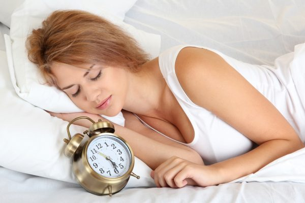 Wundermittel gegen Nackenschmerzen: Nackenmuskulatur mit dem Nackenkissen entspannen